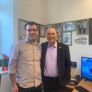 פגישה עם וויסי דאק, סטודנט כורדי מאוניברסיטה בגרמניה, שהגיע הנה על מנת לעשות מחקר על חיי הקהילה הכורדית בארץ